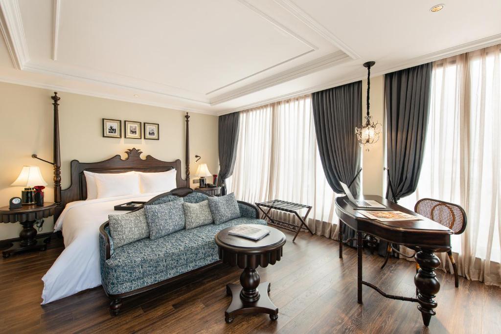 A seating area at Hanoi La Siesta Hotel & Spa
