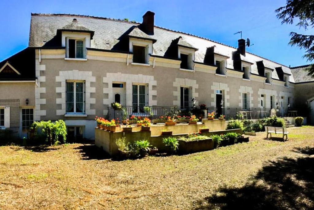 T3 near the Château de Chenonceau