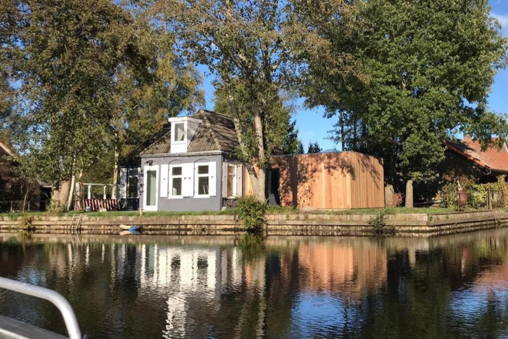 Vakantiehuis Huske Aan Het Water Voor 6 Personen Nederland Haskerdijken Booking Com