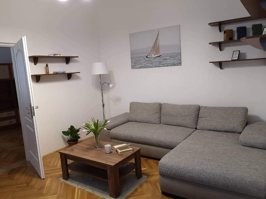 Picture of: Apartment Pecs Center 6 2 Person 3 Rooms Hungary Booking Com