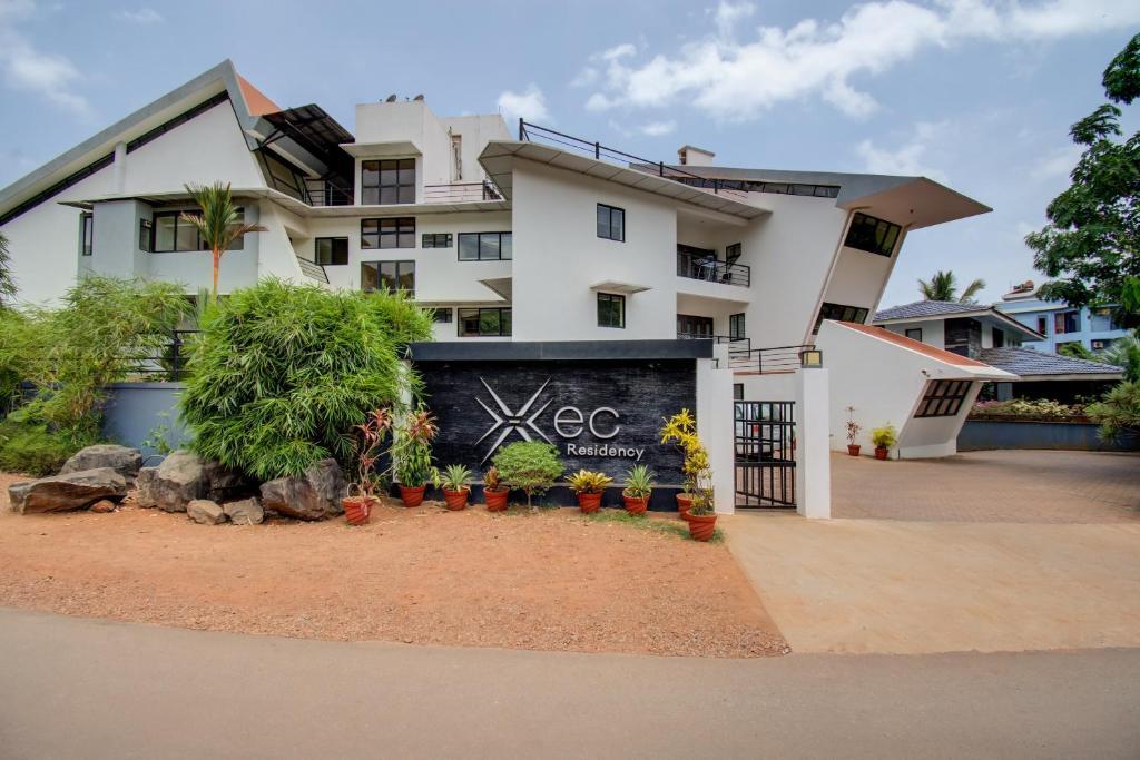 Hotel Xec Residency