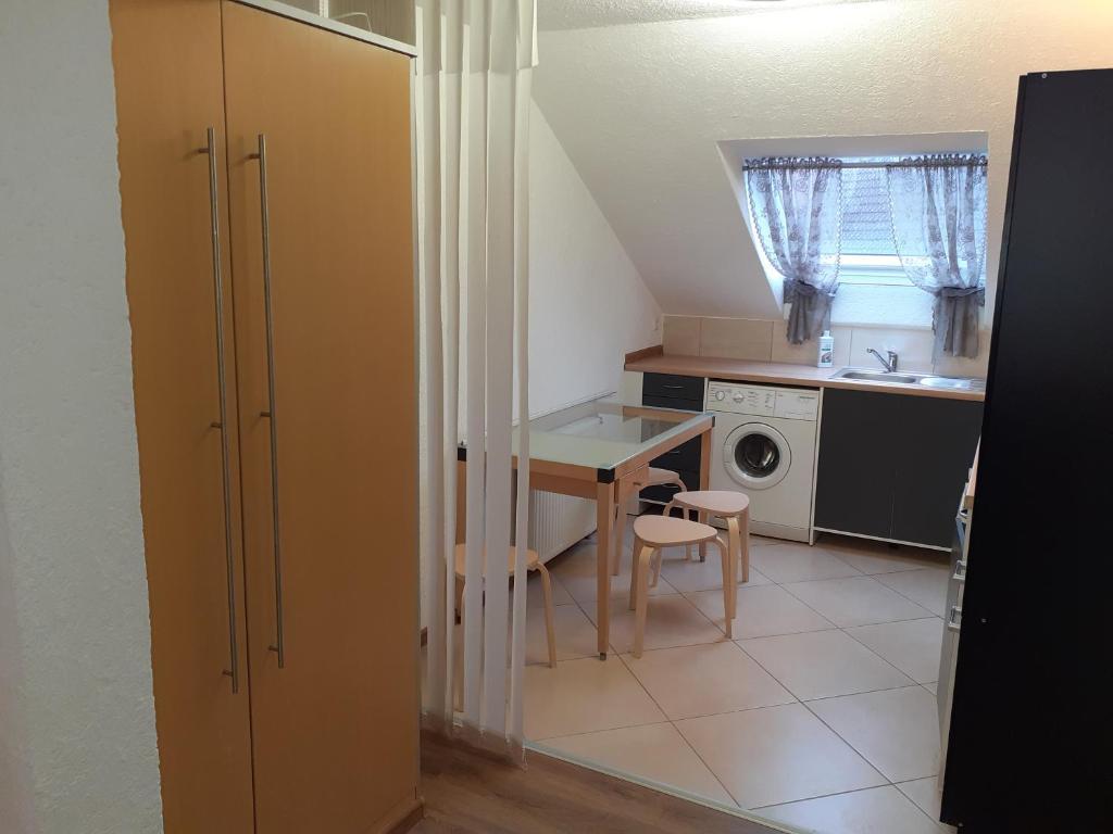 Küche/Küchenzeile in der Unterkunft Apartment City Metzingen