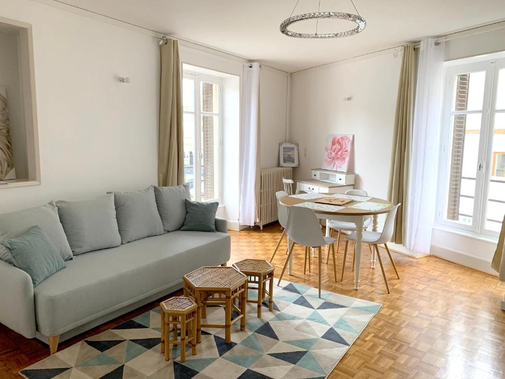 Apartment with 2 bedrooms in NerislesBains with WiFi