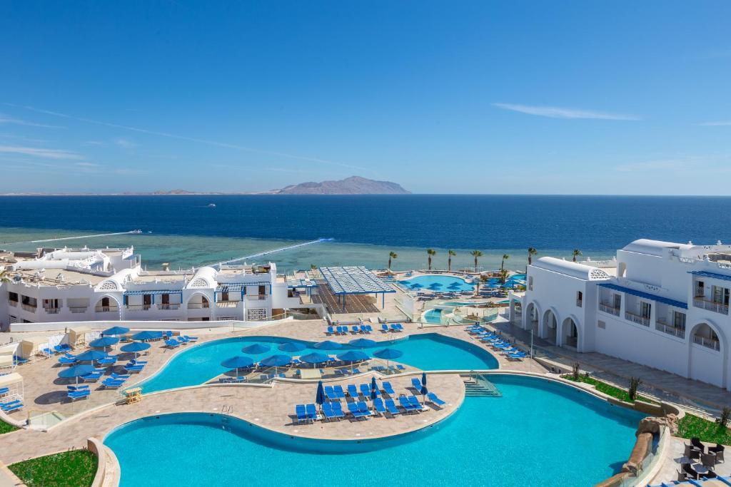 Uitzicht op het zwembad bij Albatros Palace Sharm - Families and couples only of in de buurt