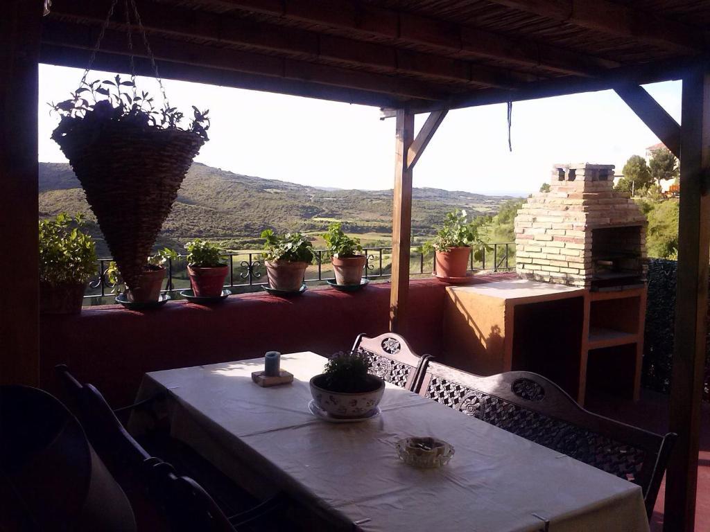 A balcony or terrace at La Posadica Casa Aldabe
