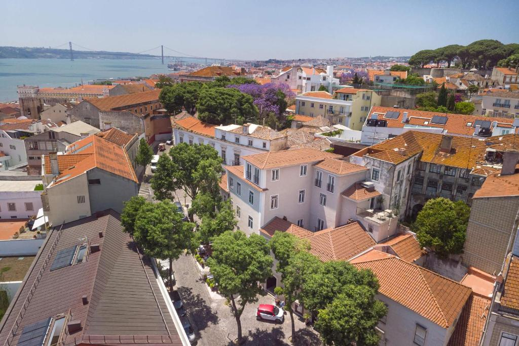 A bird's-eye view of Santiago de Alfama - Boutique Hotel