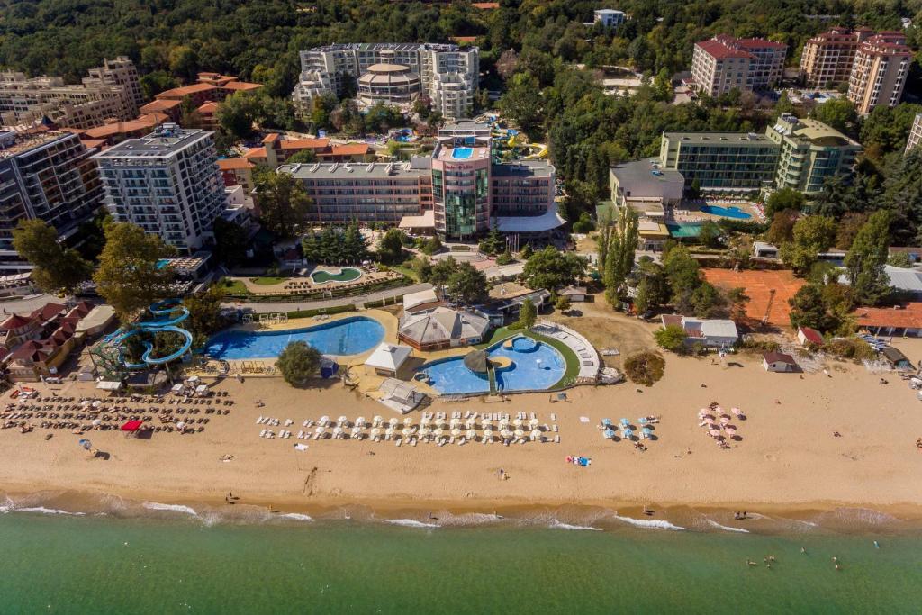 A bird's-eye view of Hotel Lilia