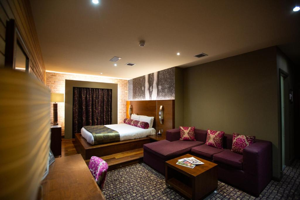 The Crown Hotel Bawtry Doncaster Uk Booking Com