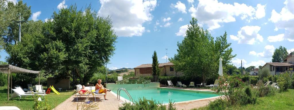 The swimming pool at or near Borgo da Vinci