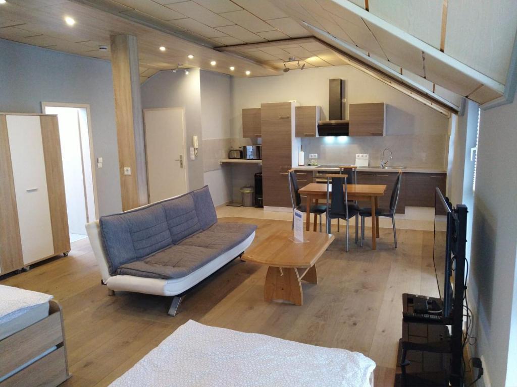 Apartment-Design (Deutschland Altenstadt) - Booking.com