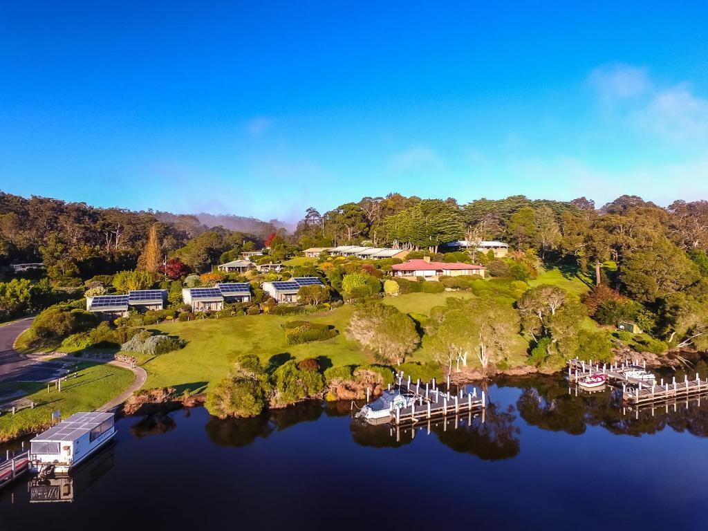 Gipsy Point Lakeside