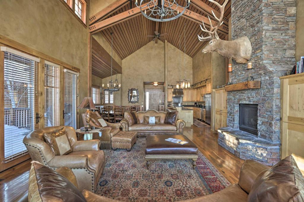 Luxury Home - 26 Miles to Grand Targhee Ski!