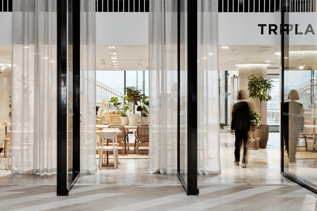Helsinkiläinen hotelli-ikoni sulkeutuu peruskorjauksen ajaksi. Solo Sokos Hotel Torni uudistuu täysin.
