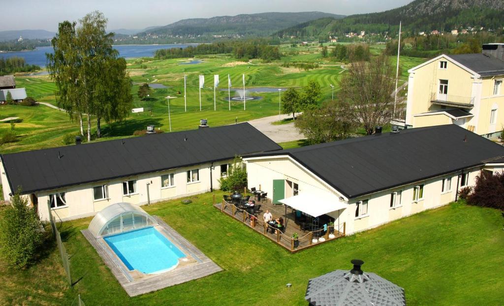 Utsikt över poolen vid Hotell Veckefjärden eller i närheten