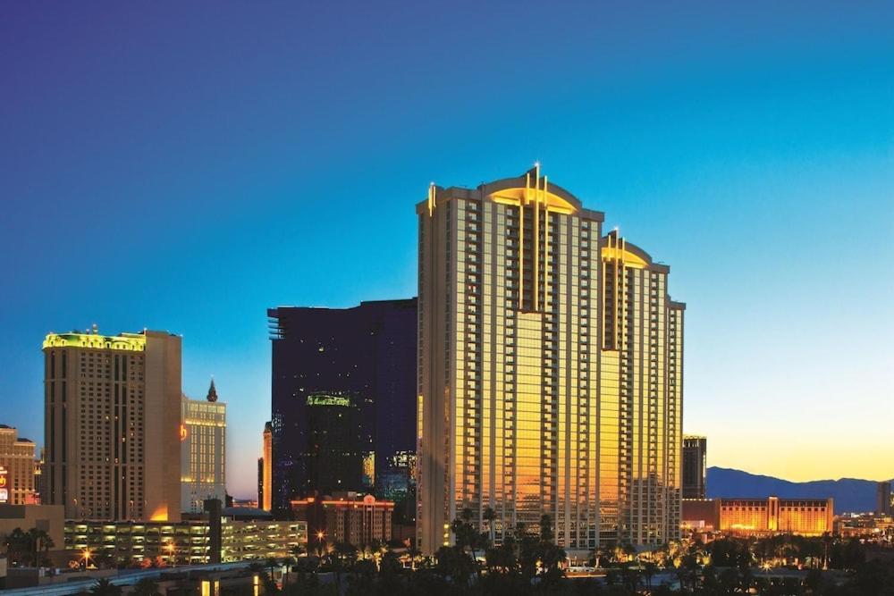 Hotel The Signature At Mgm Grand Las Vegas Nv Booking Com