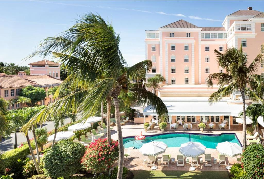 A view of the pool at The Colony Hotel or nearby