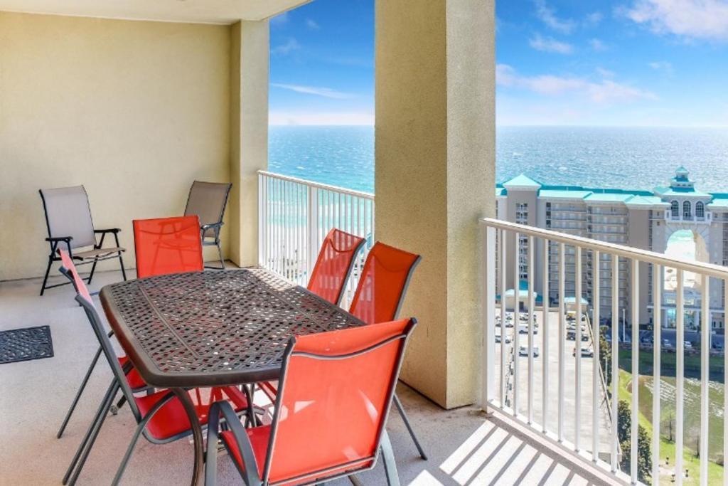 A balcony or terrace at Ariel Dunes II by Seascape Resort