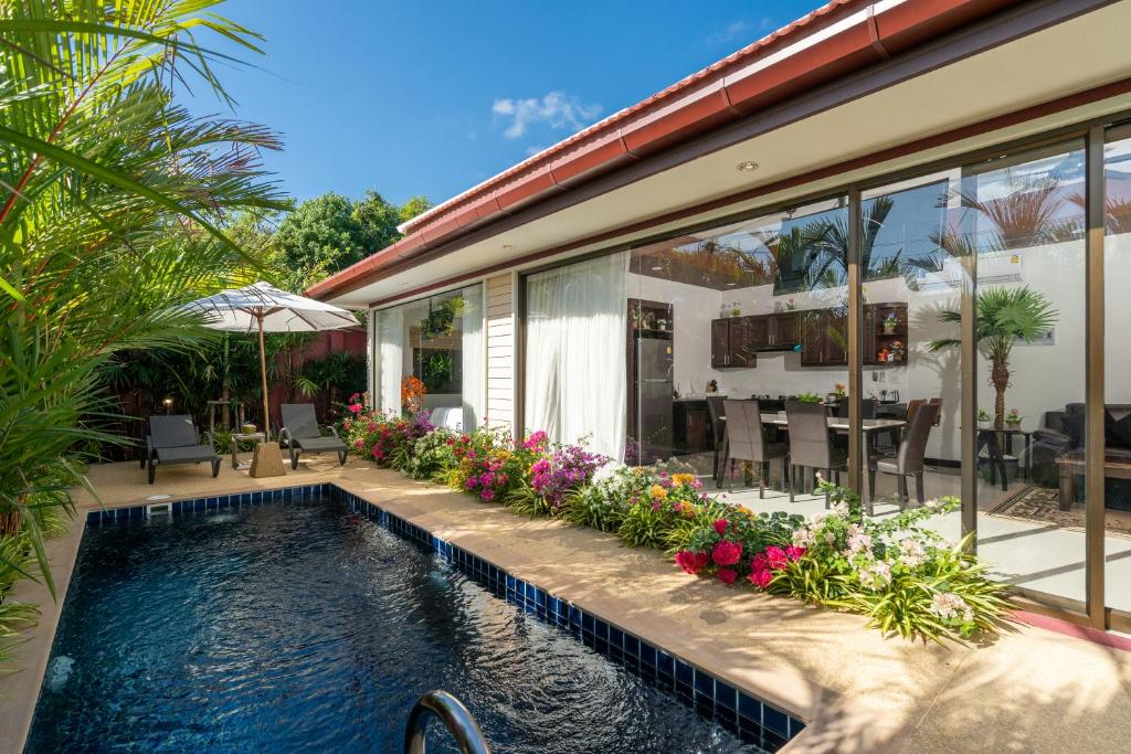 The swimming pool at or close to Boutique Resort Private Pool Villa