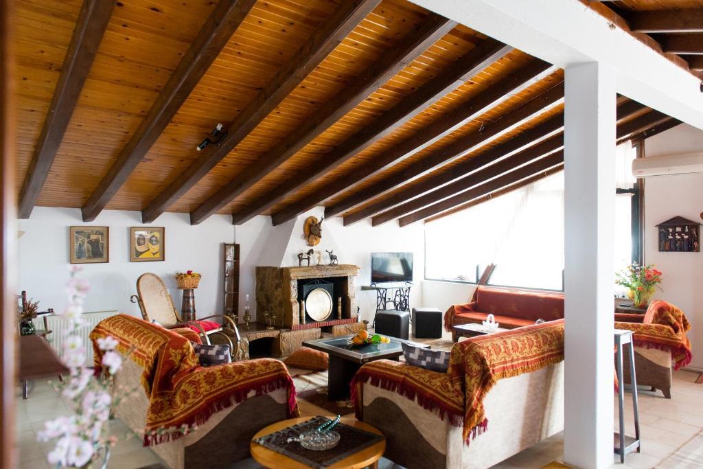 Vales Classical Apartment Alexandroupoli Greece Booking Com