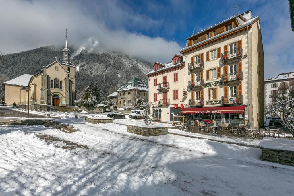 Hotel Le Chamonix during the winter