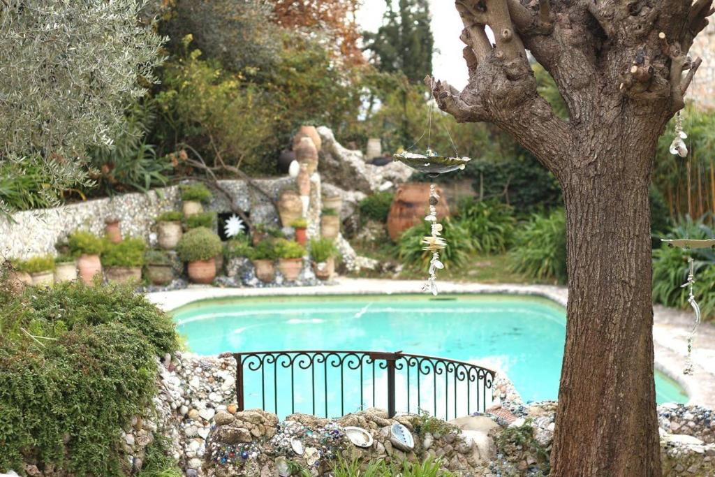 The swimming pool at or close to Appartement, arrière pays, proche Nice