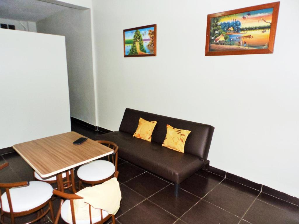 A seating area at Mini Departamento Iquitos 1243
