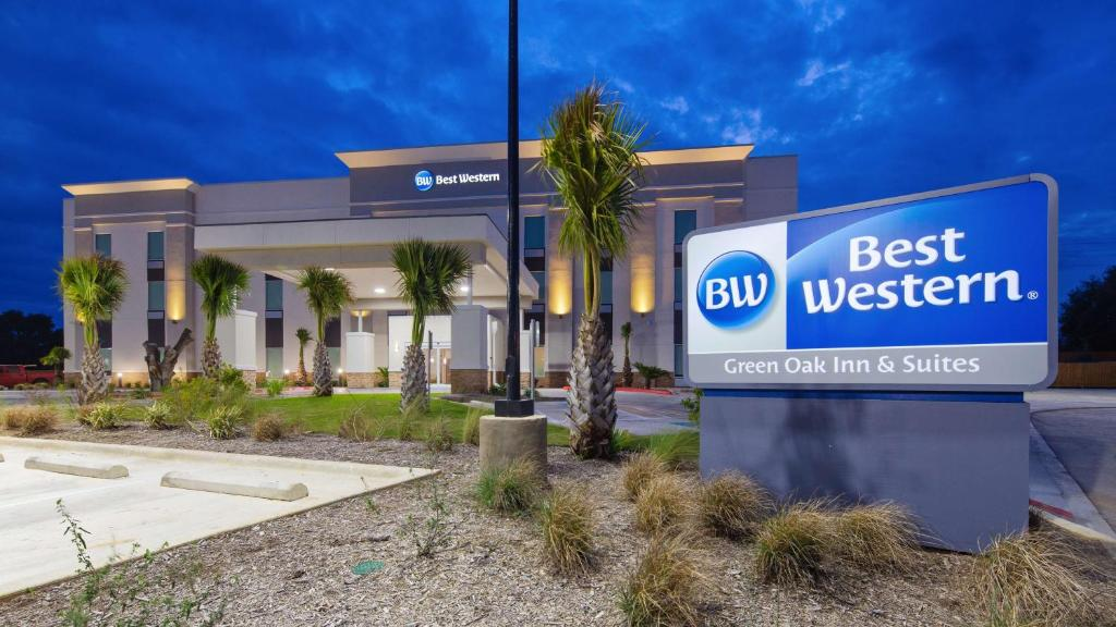 Best Western Green Oaks Inn