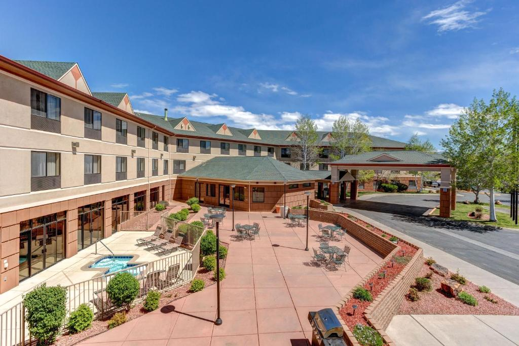 Holiday Inn Express Hotel & Suites Montrose - Townsend