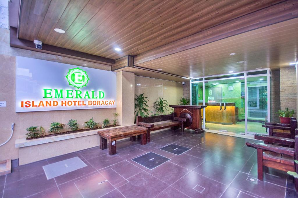 The lobby or reception area at Emerald Island Hotel