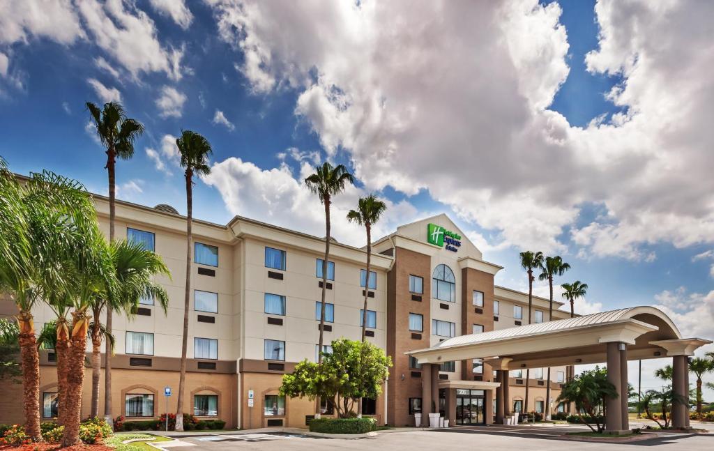 Holiday Inn Express & Suites - Pharr