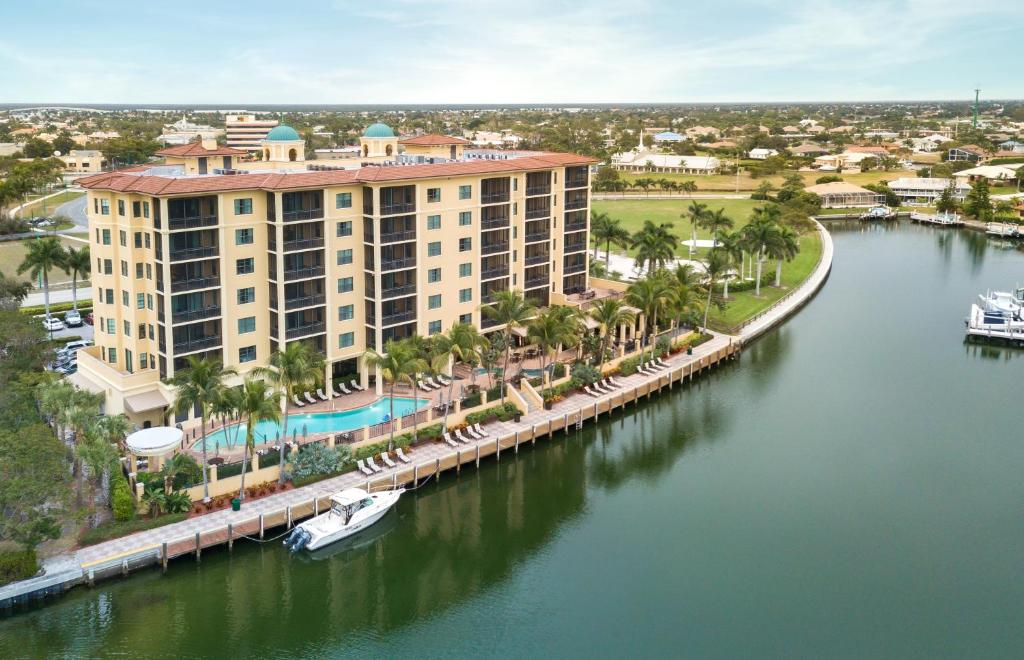 A bird's-eye view of Holiday Inn Club Vacations Sunset Cove Resort