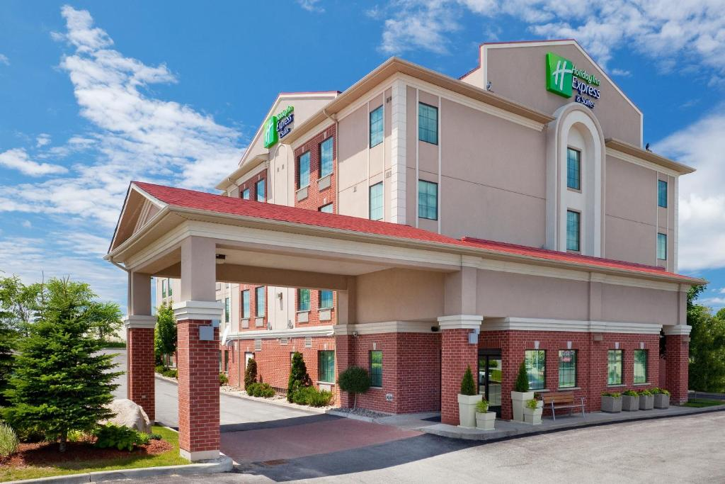 Holiday Inn Express Hotel & Suites Barrie, an IHG Hotel