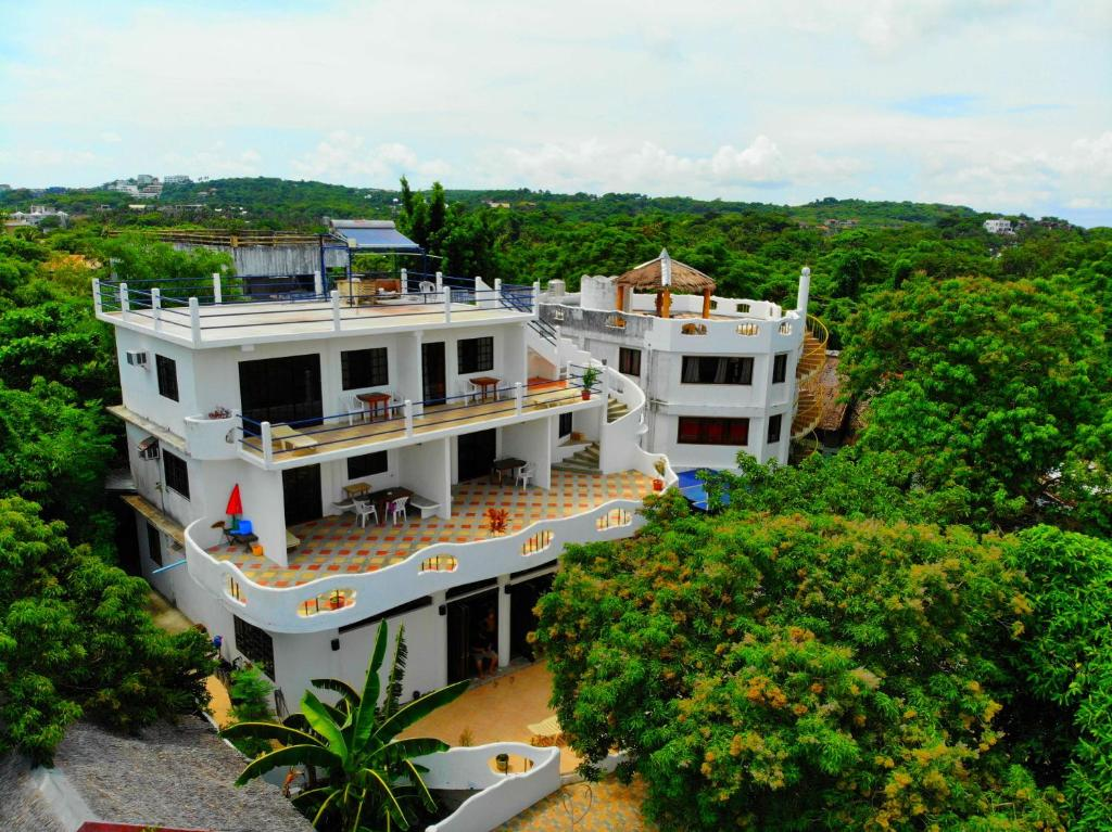 A bird's-eye view of Aquarius Terraces Boutique Resort