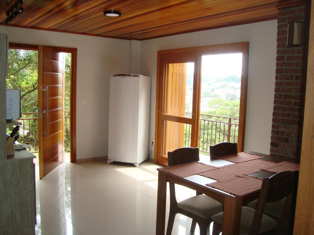 Sua casa em Gramado, 1km da rua coberta