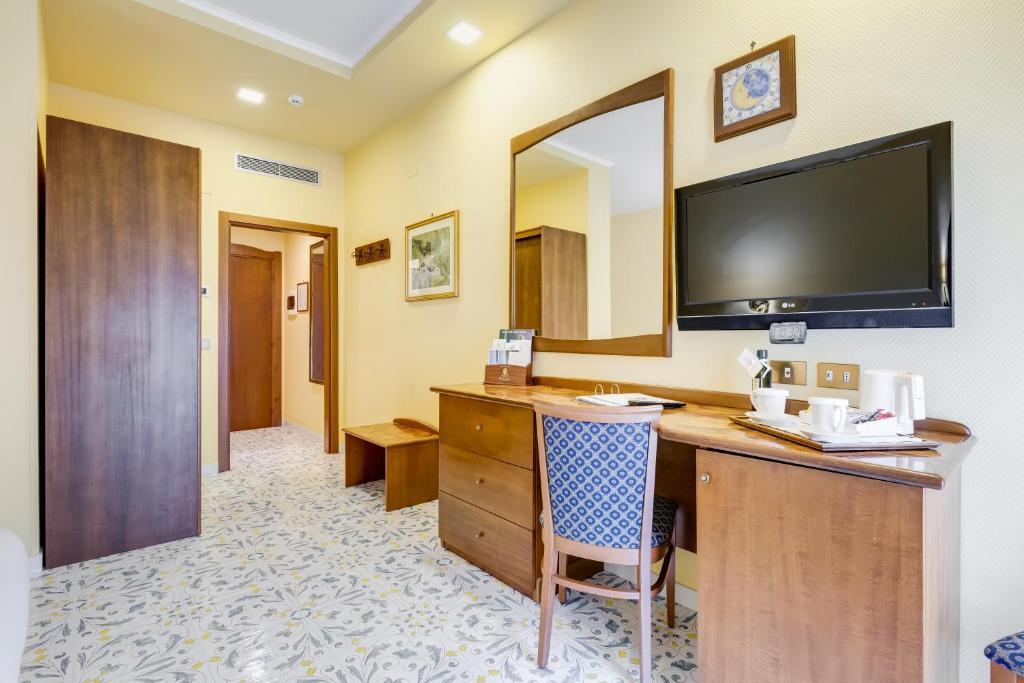 Best Western Hotel La Solara Sorrento Updated 2021 Prices