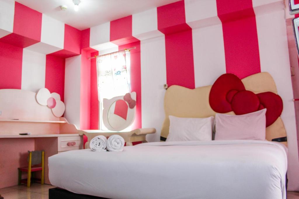 Spacious Studio Hello Kitty Theme At Green Bay Apartment By Travelio Jakarta Booking Com