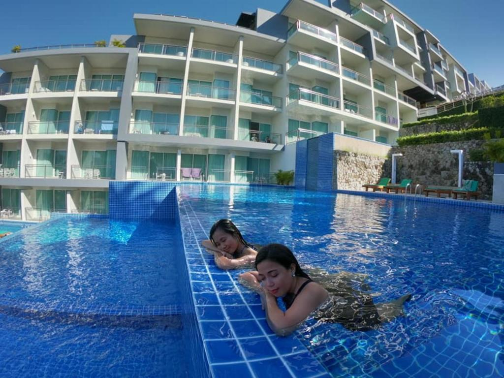 The swimming pool at or close to Sugar Palm Grand Hillside