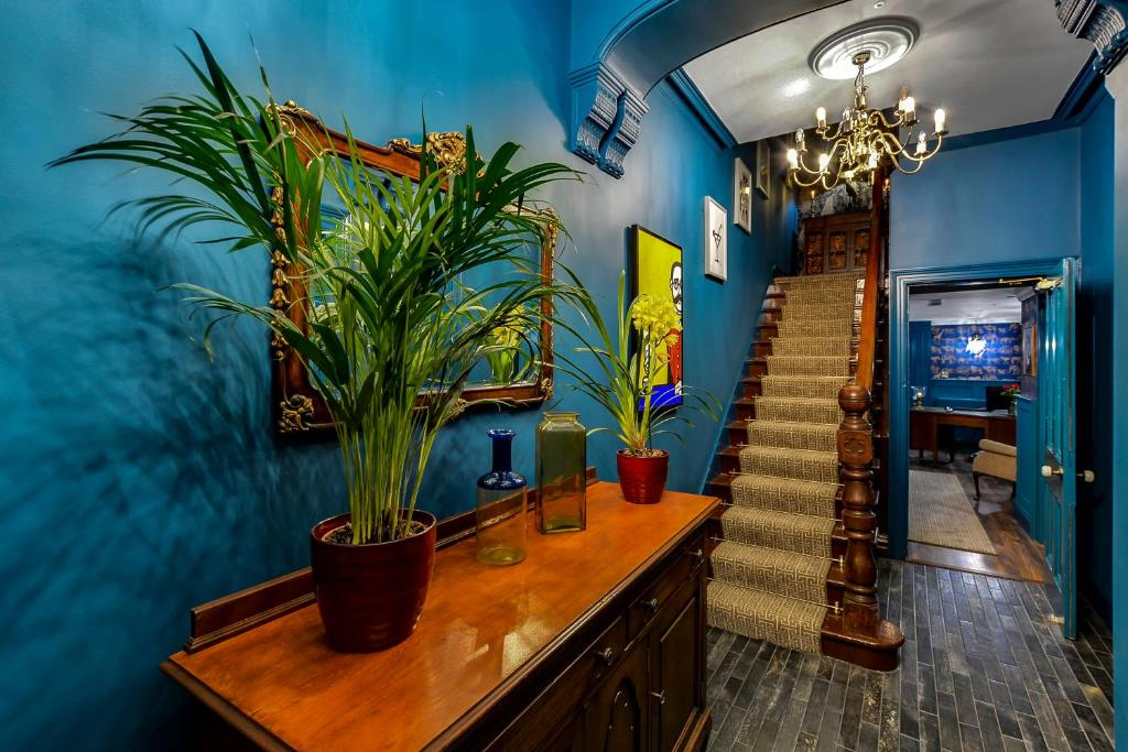 The lobby or reception area at Jazz House
