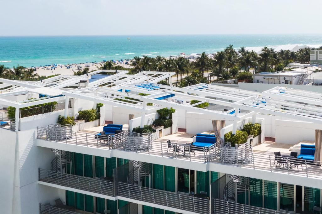A view of the pool at Z Ocean Hotel South Beach or nearby