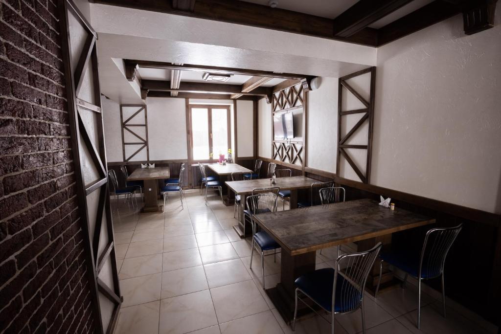 Ресторан / где поесть в Отель НИТРОН