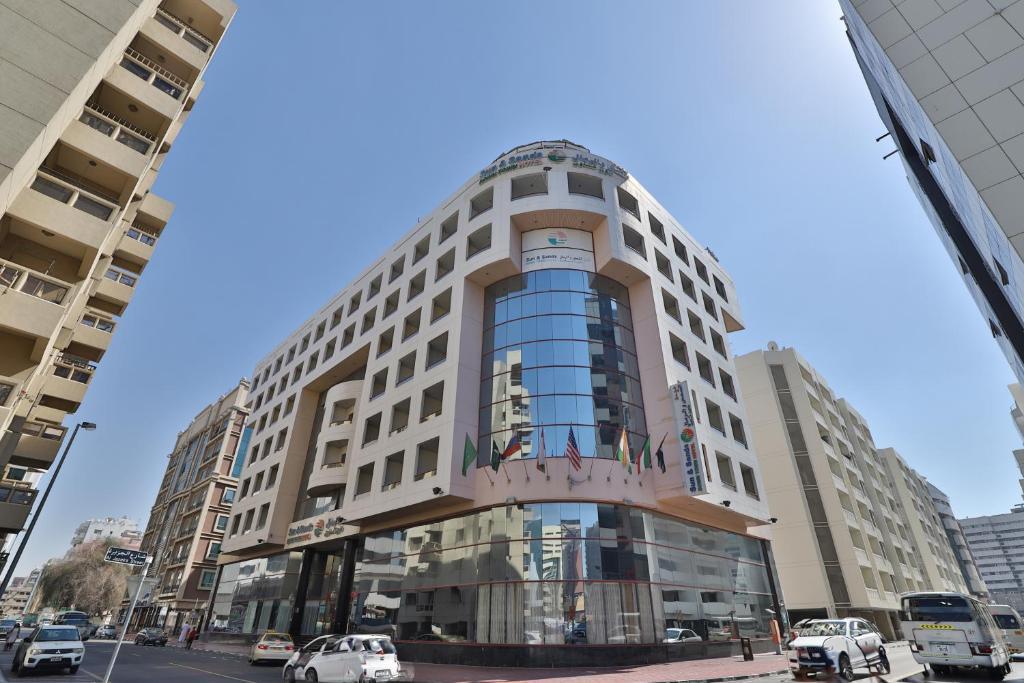 Sun sands hotel 3 дубай дейра жизнь русских в греции