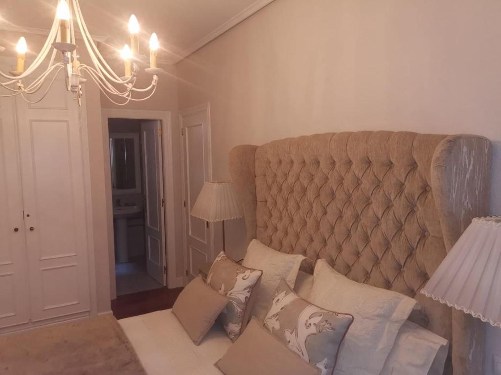 Habitación con baño privado en Bilbao