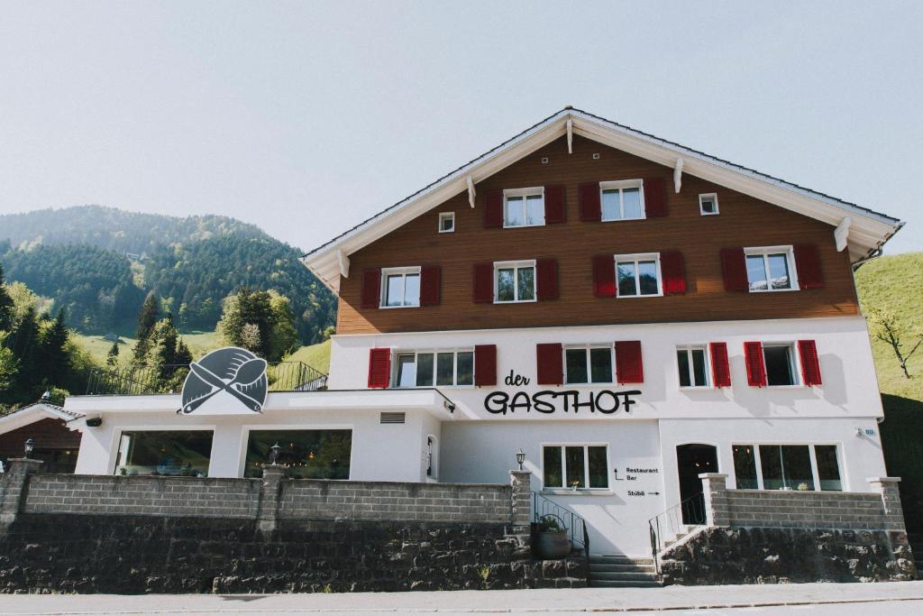 Das Gebäude in dem sich das Gasthaus befindet