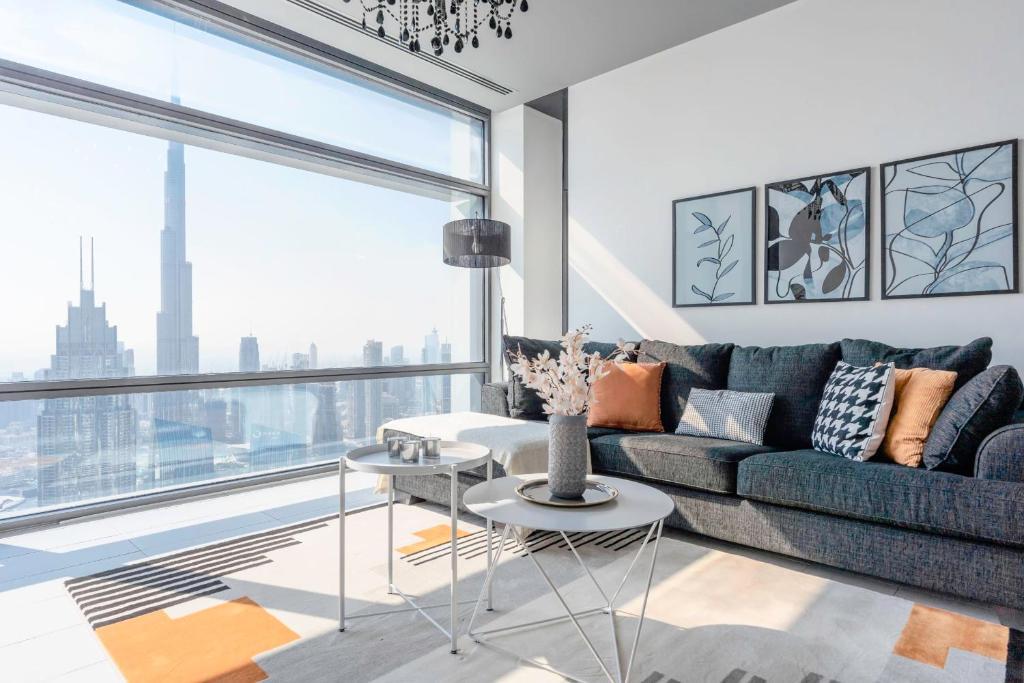 منطقة جلوس في 2 BR Apartment Stunning Views of Dubai Skyline and Burj Khalifa