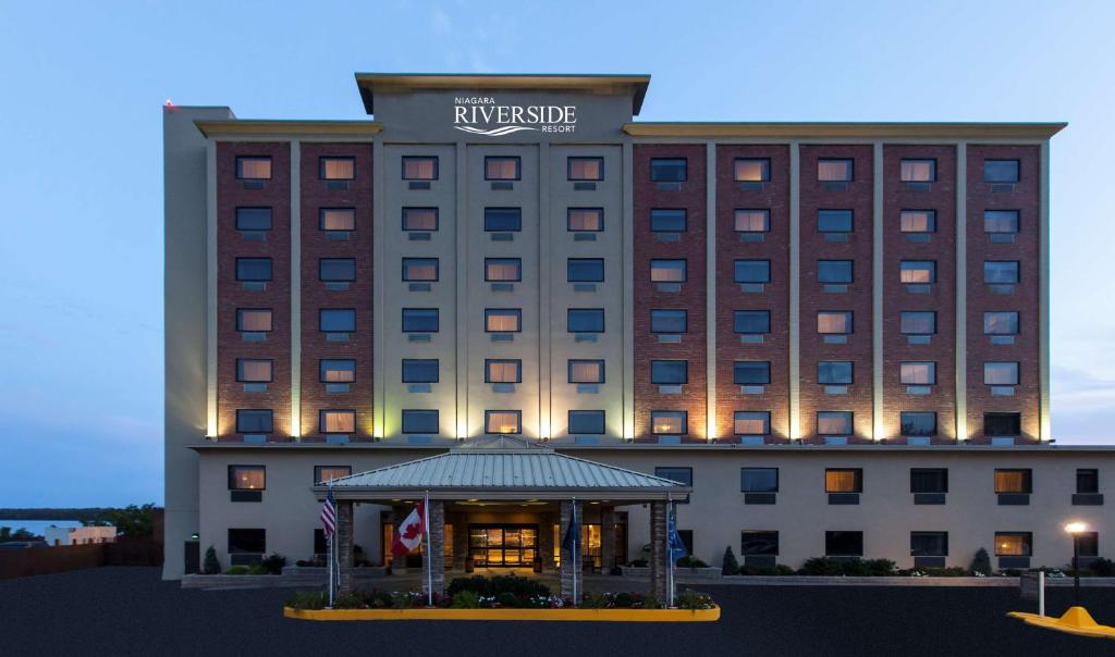 Hotel Four Points Niagara Falls, NY - Booking.com