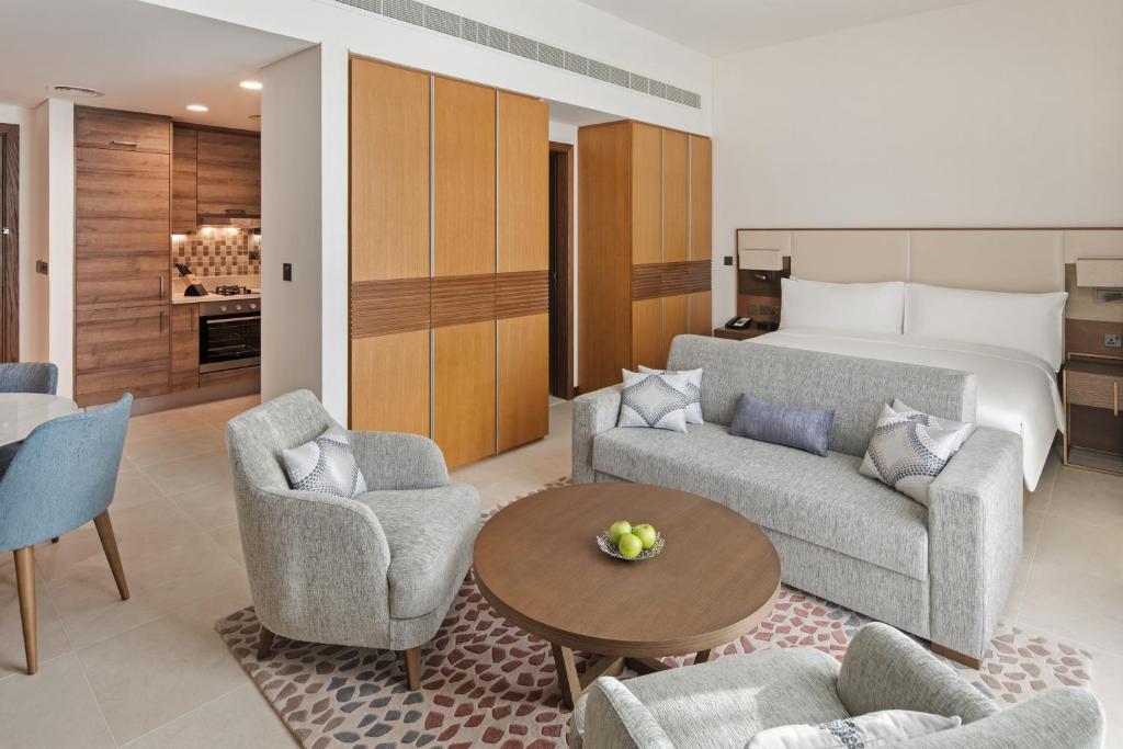Staybridge Suites Dubai al-Maktoum Airport, November 2020
