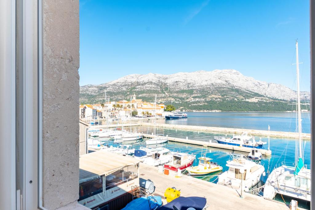 A view of the pool at Castello Rezidence Korcula or nearby