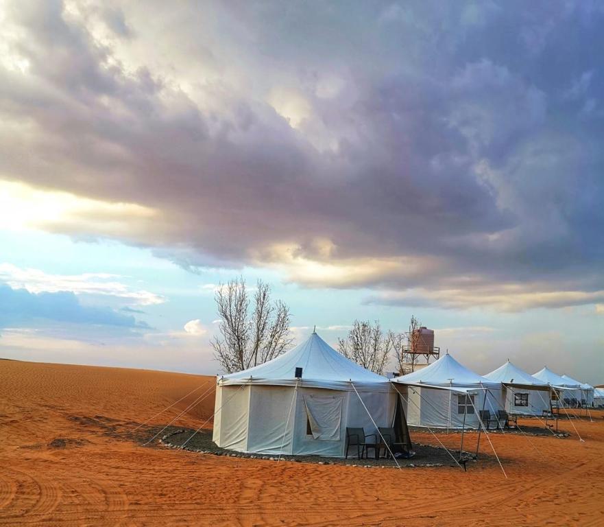 Das Gebäude in dem sich the luxury tent befindet