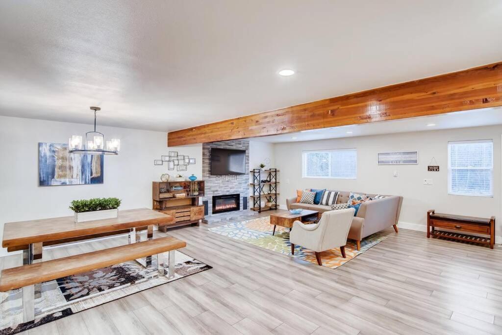 Apartment Rustic Mid Century Modern Farmhouse Big 3 Bed Apt Duvall Wa Booking Com