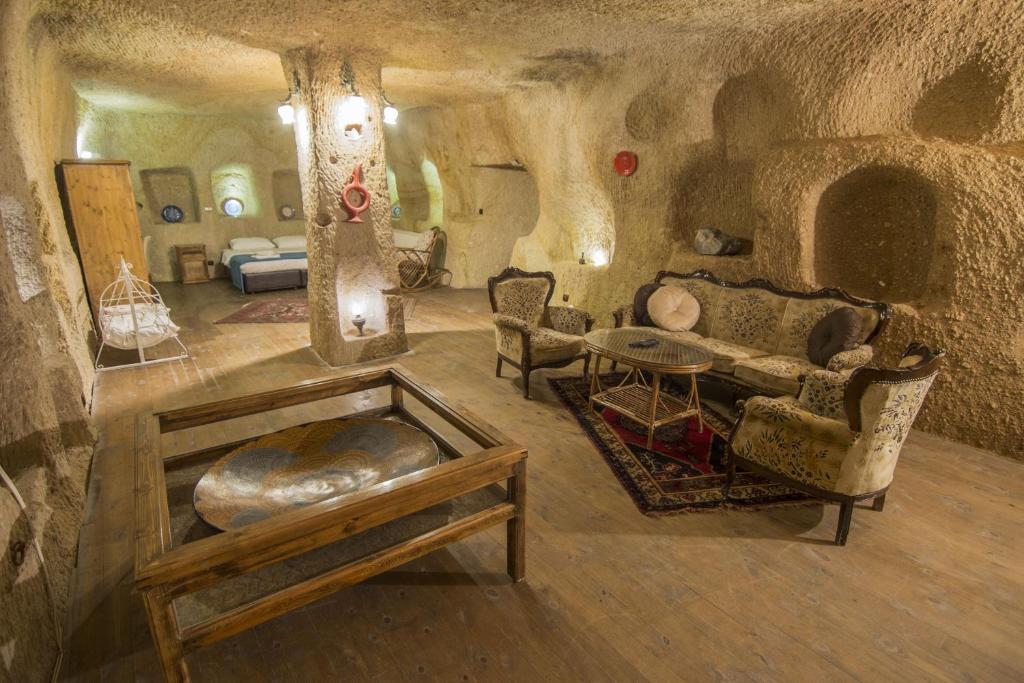 7 Oda Kapadokya Cave House